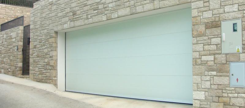 Vrste garažnih vrata na daljinski upravljač