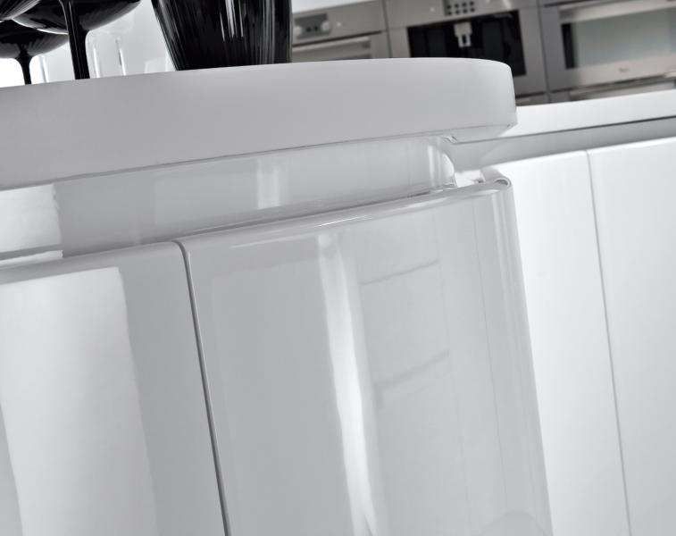 Lakiran MDF u modernim kuhinjama djeluje učinkovito i kompaktno